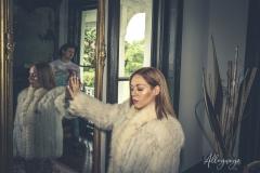 AlleyWaysFashion woman mirror